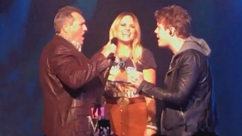 Miranda Lambert's Dad & Boyfriend Join Her On Stage For Unforgettable Performance | Country Music Videos