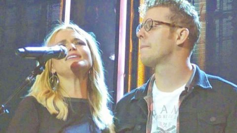 Miranda Lambert Sweetly Introduces Boyfriend Anderson East On Stage For The First Time | Country Music Videos