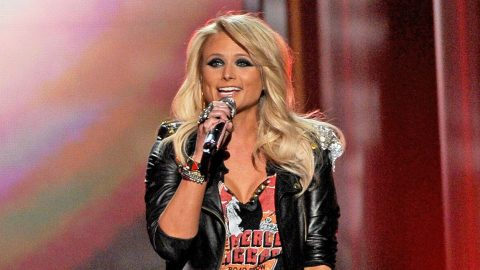 Miranda Lambert Brings Special Guest On Stage For Surprise Duet   Country Music Videos