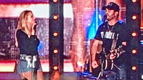 Miranda Lambert & Special Guest Surprise Concert Goers With Mind-Blowing Cover Of George Strait Hit   Country Music Videos
