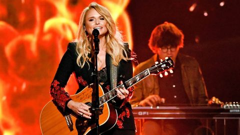Miranda Lambert Delivers Fiery Performance Of New Single 'Keeper Of The Flame' | Country Music Videos