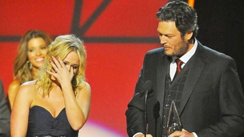 Miranda Lambert Breaks Down On Stage Days Before Divorce Is Finalized | Country Music Videos