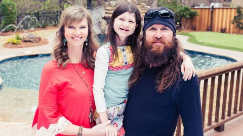 Missy Robertson Sings A Heartwarming Song To Her Little Miracle, Mia | Country Music Videos