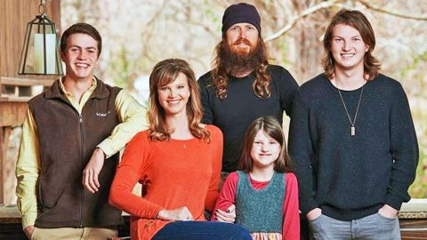 Missy Robertson Says Daughter Mia Helped Make Them 'A Better Family' | Country Music Videos