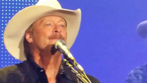 Misty-Eyed Alan Jackson Reflects On Life & Love In Emotional Performance Of 'Remember When' | Country Music Videos