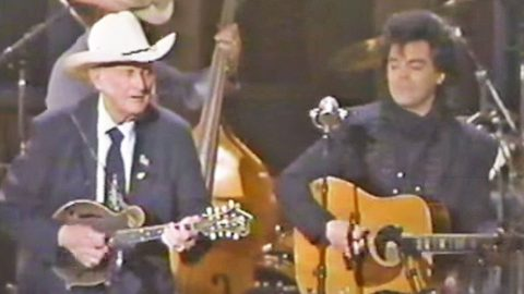 Marty Stuart Joins Bill Monroe For Knee Slappin', Toe Tappin' Performance Of 'Southern Flavor' | Country Music Videos