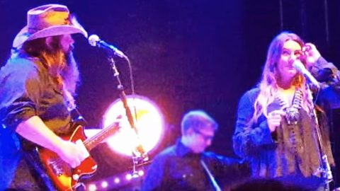 Morgane Stapleton Moved To Tears When Entire Crowd Starts Singing 'Traveller' | Country Music Videos