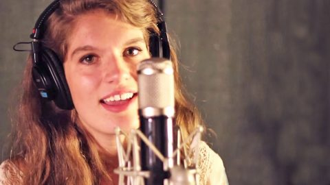 15-Year-Old Girl Delivers Breathtaking 'Simple Man' Tribute With Vocals and Guitar | Country Music Videos