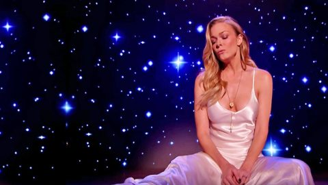 LeAnn Rimes Bids Farewell To 2016 With Emotional Performance Of 'Auld Lang Syne'   Country Music Videos