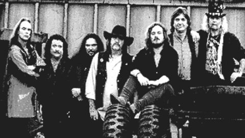 Southern Rock Meets Blues In Skynyrd's Groovy Take On 'None Of Us Are Free' | Country Music Videos