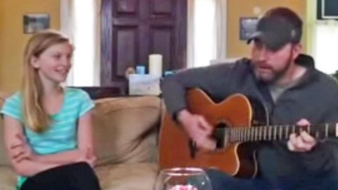 Father & Daughter Sing The Sweetest Duet Of 'When You Say Nothing At All' | Country Music Videos