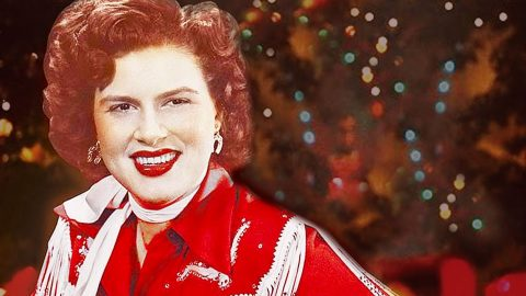 You Absolutely Have To Hear Patsy Cline's Long-Lost Christmas Song | Country Music Videos