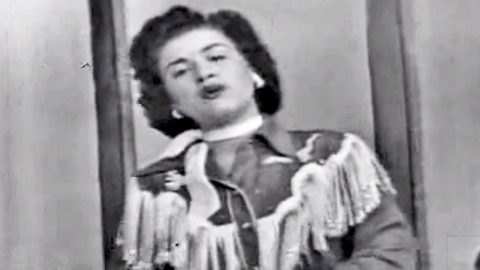 VINTAGE: Patsy Cline Makes Debut Television Appearance At The Opry | Country Music Videos