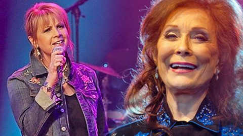 Patty Loveless Pays Tribute To Loretta Lynn With Cover Of 'Coal Miner's Daughter' | Country Music Videos