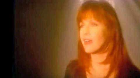 Patty Loveless' 'How Can I Help You Say Goodbye' Promises Hope Through Life's Tragedies   Country Music Videos