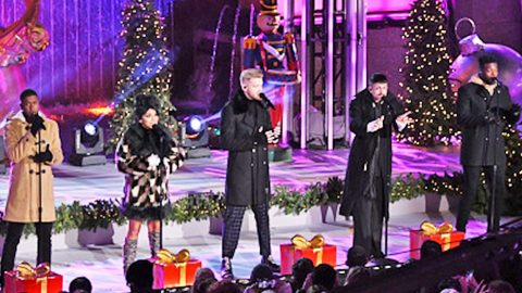 Pentatonix Lights Up Rockefeller Center With Incredible Take On 'Let It Snow' | Country Music Videos