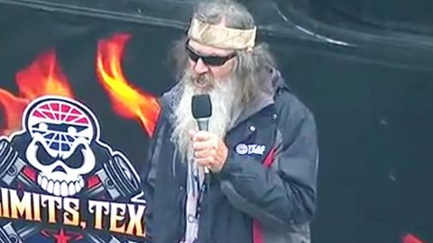 NASCAR Track President Defends Phil Robertson's Controversial Prayer | Country Music Videos