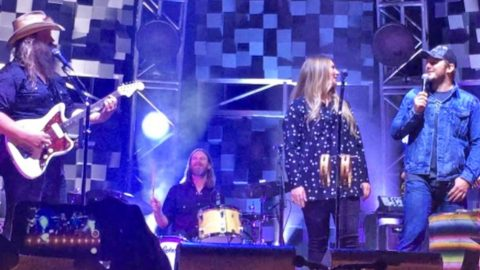 One Of Hollywood's Biggest Stars Joins Chris Stapleton On Stage For Epic 'Tennessee Whiskey' Duet | Country Music Videos