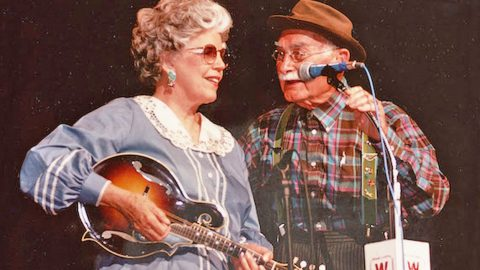 BREAKING NEWS: 'Hee Haw' Fiddler Ramona Jones Dies at 91   Country Music Videos