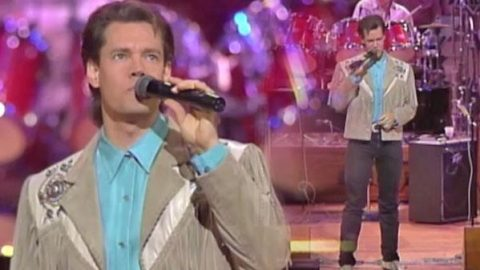 Randy Travis – Better Class Of Losers (LIVE at the Grand Ole Opry) (LIVE) (WATCH) | Country Music Videos