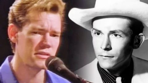 Randy Travis Sings Heartbreaking Rendition Of I'm So Lonesome I Could Cry' During Opry Debut | Country Music Videos