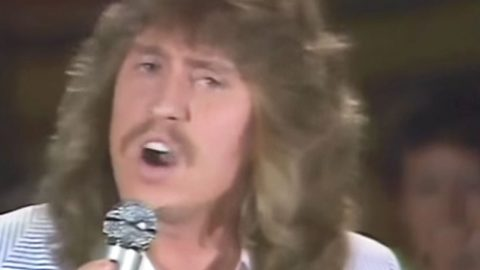 Dolly Parton's Brother Performs Alabama Hit Before It Ever Went Big   Country Music Videos