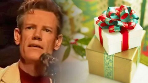 Randy Travis – Pretty Paper (WATCH) | Country Music Videos