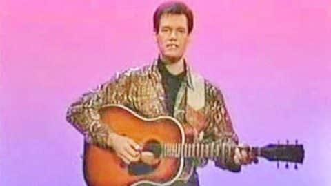 Randy Travis on Sesame Street (VIDEO) | Country Music Videos