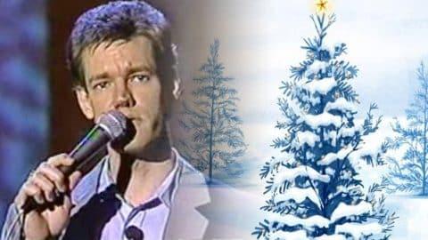Randy Travis – White Christmas Makes Me Blue (LIVE) (VIDEO) | Country Music Videos