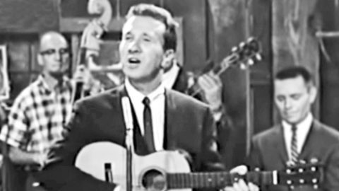 See The Rare Footage Of Marty Robbins Singing His Tragic Hit 'El Paso' That Never Aired On TV | Country Music Videos