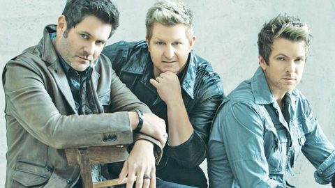 Rascal Flatts' Tour Bus Catches Fire | Country Music Videos
