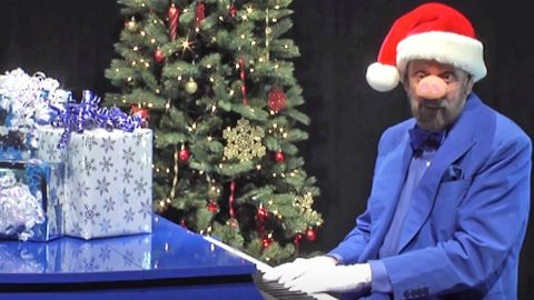 ray stevens does his best seymour swine impression for hilarious version of blue christmas - Porky Pig Sings Blue Christmas