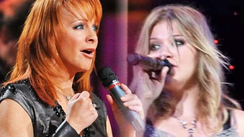 Reba McEntire and Kelly Clarkson – Breakaway (LIVE) (VIDEO) | Country Music Videos