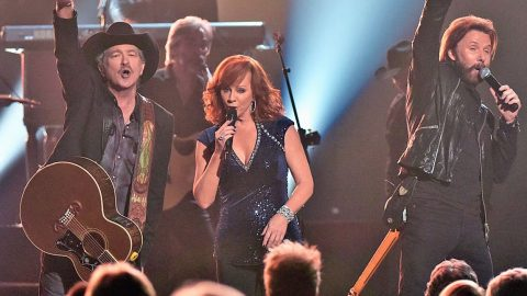 Brooks & Dunn And Reba McEntire Join Forces In Electrifying Performance Of Their Signature Hits | Country Music Videos