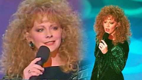 """Reba McEntire Covers """"I'm Checking Out"""" (LIVE) (WATCH) 