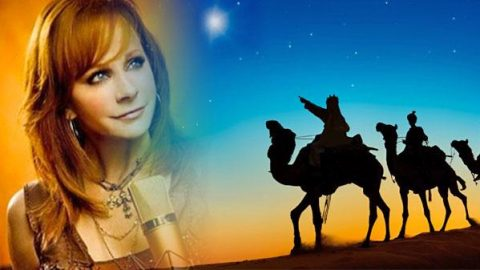 Reba McEntire – This Christmas | Country Music Videos