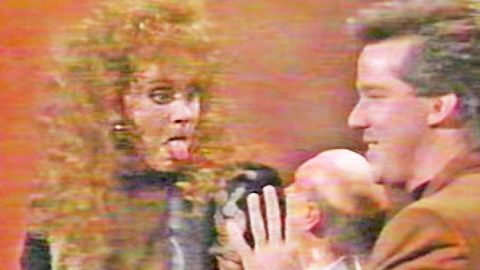 Reba McEntire & Jeff Dunham Give Hysterical Skit With Puppet Walter | Country Music Videos