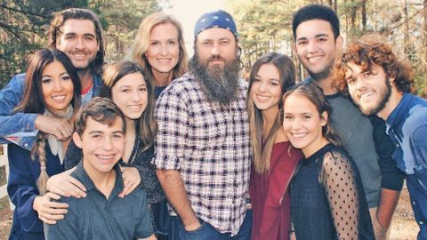 The Robertsons Welcome New Addition To The Family | Country Music Videos