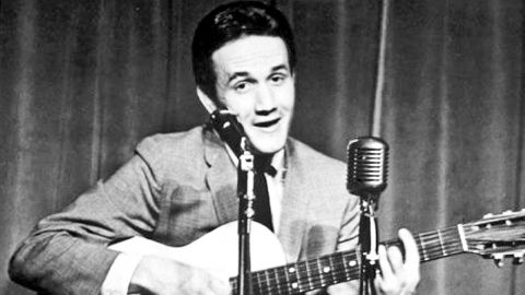 Remembering Country Music's 'Wild Child' Roger Miller With His Humorous Hits | Country Music Videos