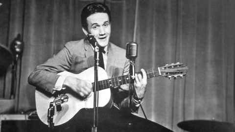 Roger Miller Hilariously Delivers Laugh 'Til You Cry Performance Of 'Dang Me' | Country Music Videos