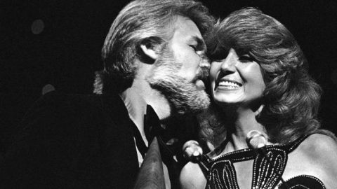 Kenny Rogers & Dottie West Give Passionate Performance Of 'Every Time Two Fools Collide' | Country Music Videos