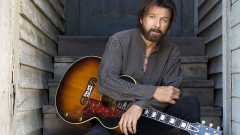 Ronnie Dunn Gives Pop Hit A Country Twist In New Riveting Album | Country Music Videos