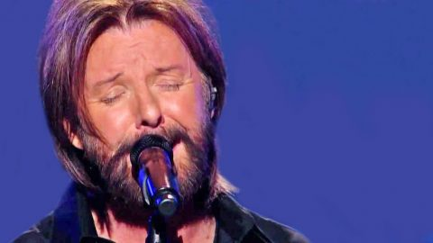 Ronnie Dunn Speaks To The Brokenhearted In 'I Worship The Woman You Walked On' | Country Music Videos