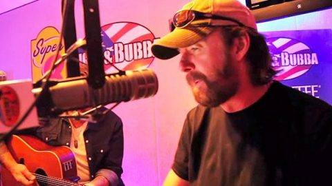 Ronnie Dunn – Red Dirt Road (LIVE Radio Show Performance!) (VIDEO) | Country Music Videos