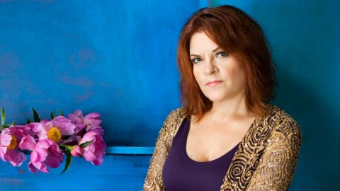 Rosanne Cash Angers Fans, Speaking Out For Stricter Gun Laws | Country Music Videos