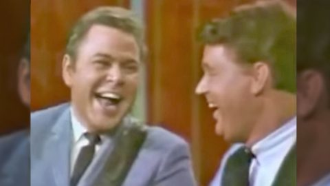 Country Music's Original Funny Man Roy Clark Performs Hysterical Medley | Country Music Videos
