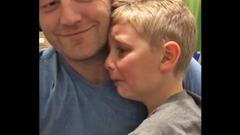 Little Boy Cries After Meeting This Country Superstar, And You Won't Believe Why!   Country Music Videos