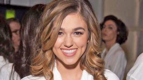 How Sadie Robertson Is Handling Her Transition From Reality TV To Movie Star | Country Music Videos