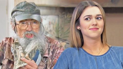 Uncle Si Pitches Hilarious New Invention To Willie & Sadie. Their Reaction? Priceless! | Country Music Videos