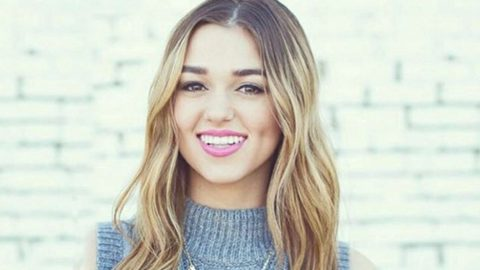 Sadie Robertson Has A HUGE Reason To Be Proud | Country Music Videos